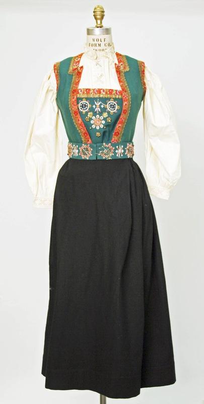 Hardanger Bunad 1800–1925
