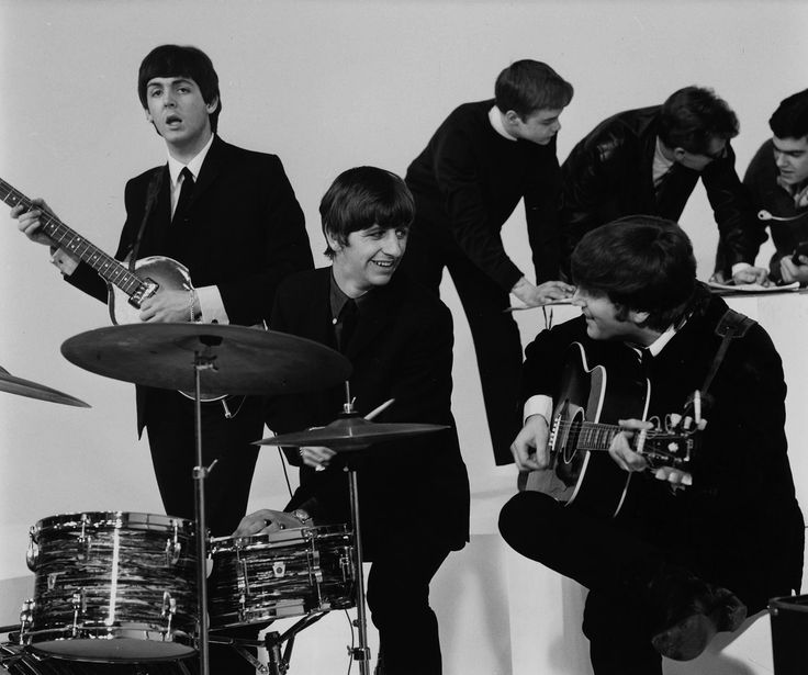 a hard day s night movie analysis Catch them if you can: a hard day's night photo: metrodome  the songs,  beginning with that unmistakeable clanging chord, do exactly what they have to:  not shape the film's plot (there isn't one), but  culture reviews ».