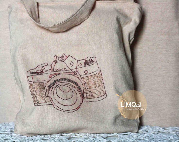 Camera | 85K | bahan: kain tenun ikat ATBM [alat tenun bukan mesin] | check this limo-made.blogspot.com #handmade #totebag #limitededition #semarang #indonesia #limomade