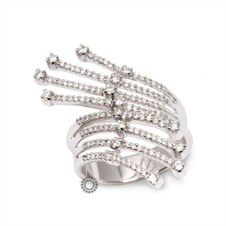 Ένα λευκόχρυσο δαχτυλίδι Κ18 με διαμάντια εξαιρετικού σχεδιασμού για μακριά δάχτυλα   Δαχτυλίδια με διαμάντια ΤΣΑΛΔΑΡΗΣ στο Χαλάνδρι #δαχτυλίδι #διαμάντια #rings #diamonds