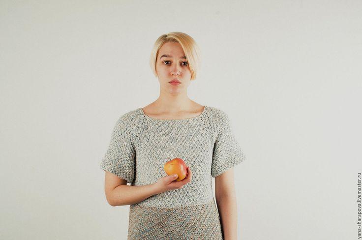 Купить серо-голубое твидовое платье - комбинированный, абстрактный, платье спицами, твидовое платье