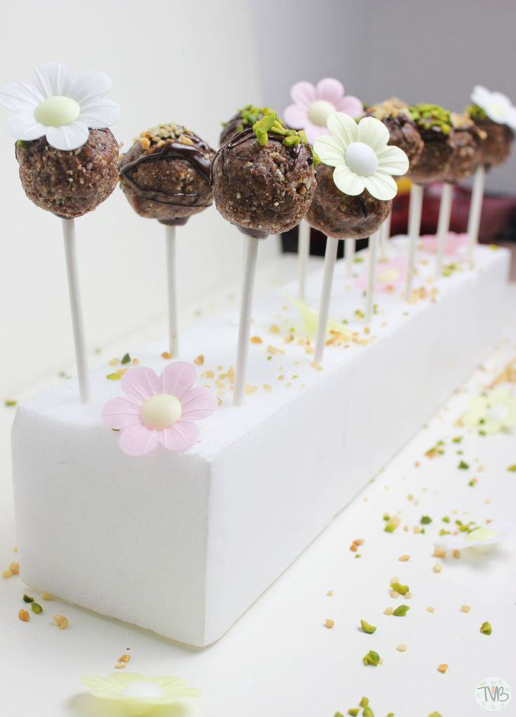 Roh-Vegane Cakepops - Tschaakii's Veggie Blog