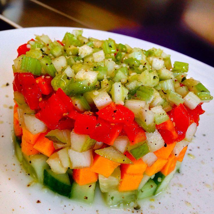 Insalata di Cetriolo, Carota, Pera, Datterino e Sedano - Cucumber, Carrot, Pear, Cherry Tomato and Celery Salad