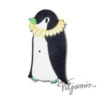 Sirkuspingviini - a wooden button