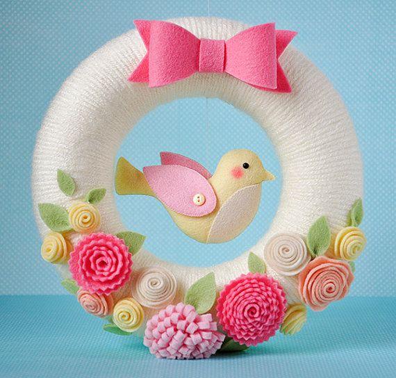 Spring wreath with flowers & bird, Easter wreath, spring garland, felt wreath, Easter decoration, Spring wreath, Flowers wreath, felt bow