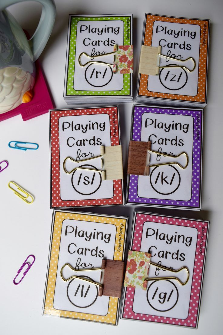 Speech therapy articulation playing cards. Look just like regular playing cards but with articulation words and pictures on them! A must have for therapy! From Speechy Musings.