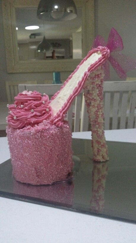 Girl Birthday cake high heel