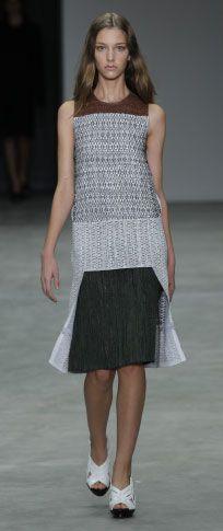 retalhos de Couro / vestido de seda branca SEM mangas / Tecido Preto Escovado Bezerro moldada sandália