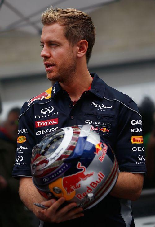 Vettel gets his USGP helmet