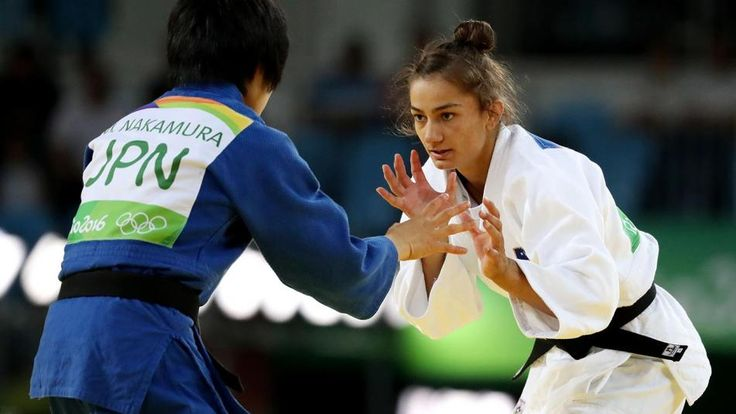 Majlinda Kelmendi wins judo gold for Kosovo's first medal (2016 Olympics)