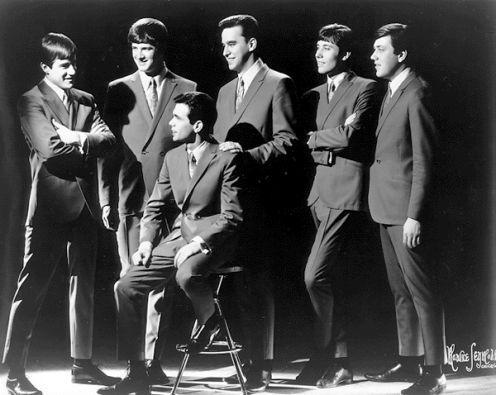 Chicago - James Pankow; Lee Loughnane;  Walt Parazaider; Robert Lamm;  Terry Kath; Danny Seraphine