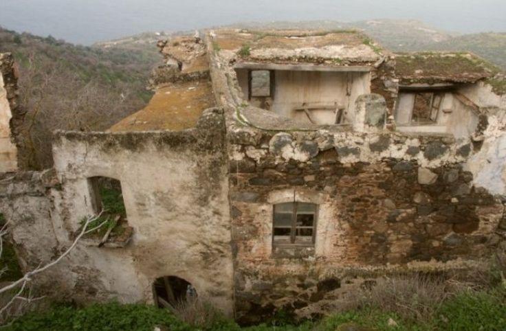 Η απίθανη μεταμόρφωση ενός μισογκρεμισμένου κτιρίου στη Νίσυρο σε βίλα! Δείτε το Πριν και το Μετά