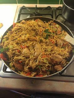 Slimming World Chicken Chow Mein - light soy sauce, garlic, Chinese 5 Spice powder, chicken breasts, dried egg noodles, mixed stir fry veg, spring onions, dark soy sauce