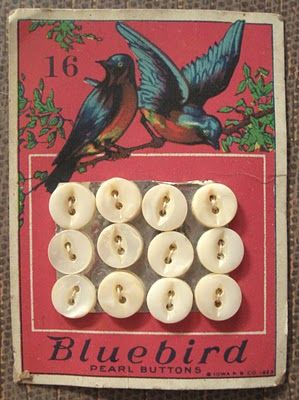 "(::)  ""Bluebird"" Pearl Buttons. Ligne size 16.  lovely antique button card.  Iowa Pearl Button Co., c. 1923 !"