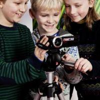 Jekino is gevestigd te Schaarbeek en is een organisatie waar cultuur, entertainment en educatie hand in hand gaan. Gekend als distributeur gespecialiseerd in kinderfilm, als culturele partner en als kenniscentrum voor alles wat te maken heeft met kinderen, film en media. Films en workshops op maat van kinderen en jongeren vinden via Jekino hun weg naar de school, de bioscoop, de cultuurcentra en de huiskamer. Onze missie: Jekino bouwt aan een respectvolle kinderfilmcultuur.