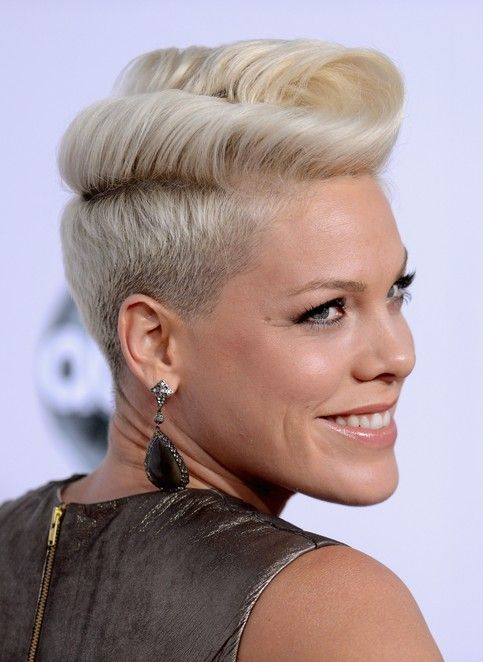 Pink's Signature Pompadour Hairstyle, her hair looks like ribbon candy! Great styling