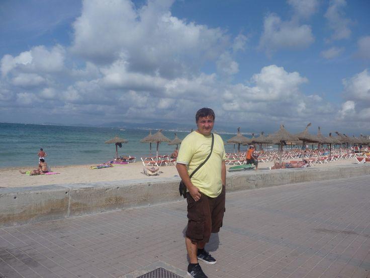 Курорт Аренал, Майорка Эль Аренал (El Arenal), Плайя де Пальма (Playa de Palma) и Кан Пастилья (Can Pastilla) – все это крупные курорты на юго-западе острова Майорка, протянувшиеся вдоль восточного берега залива Palma. Береговая линия образована превосходными песчаными пляжами огромной протяженности. В этих курортных центрах, располагающих наиболее обширной гостиничной инфраструктурой и имеющих первостепенное значение для развития туризма на острове, хорошо развита индустрия развлечений…