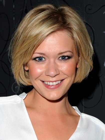 Short Layered Hairstyles 2013   Suzanne Shaw Haircuts: Soft Blonde Short Bob Hairstyles/Bauer Griffin