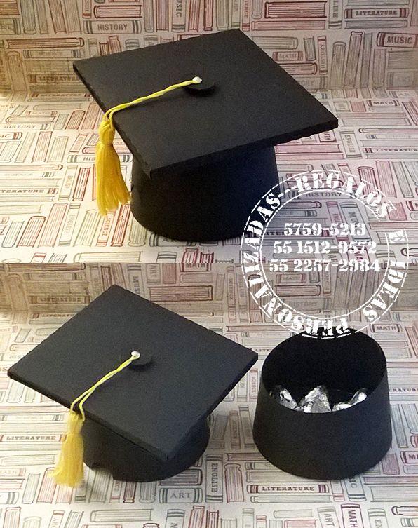 Hola hicimos estas cajitas de birrete para los que terminaron el kinder y se van a primaria. Felicidades Graduados! Buscanos en FB como Re...