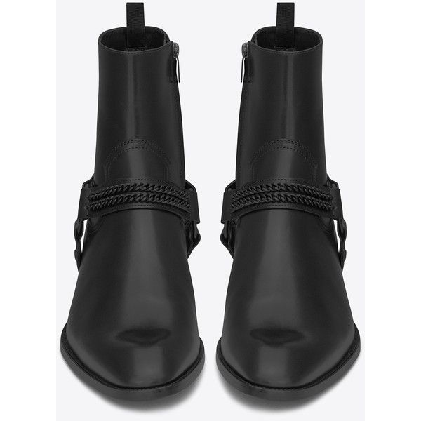 Saint Laurent Wyatt 40 Chain Harness Boot ($1,080) ❤ liked on Polyvore featuring men's fashion, men's shoes, men's boots, shoes, mens cowboy boots, mens harness boots, mens harness cowboy boots, mens western boots and yves saint laurent mens boots