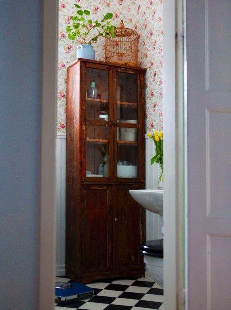 Linneskåp -> badrumsförvaring -> snyggt!