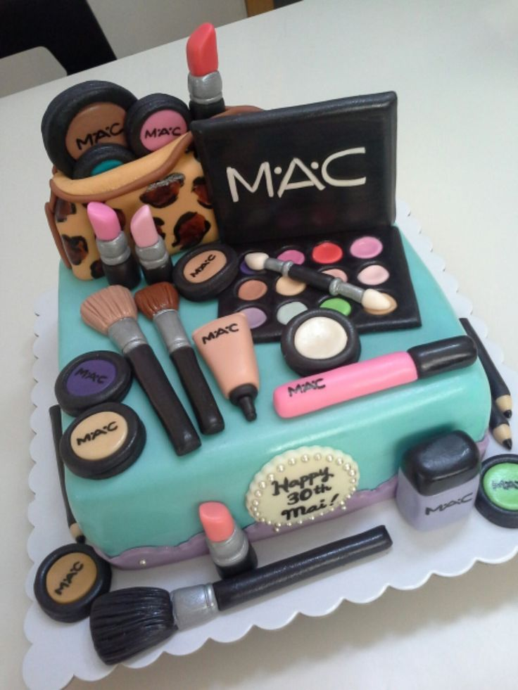 makeup birthday cake the make up on this cake looks fantastic for all your 5660