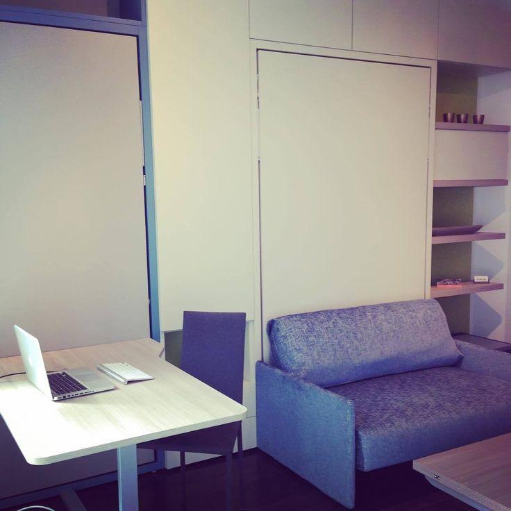 Кажется здесь только диван, только стол. Но это если вы не знаете что такое мебель трансформер. За диваном и столом - легко откидывается удобная полноценная кровать! #шкаф_кровать_стол #шкаф_кровать_диван #мебель_трансформер