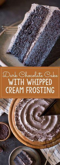 Dieser super feuchte und dekadente dunkle Schokoladenkuchen mit Schlagsahne …   – Desserts