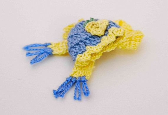 Crochet brooch. Blue Banana Yellow Pin. by MeandMamaCreations, €9.00