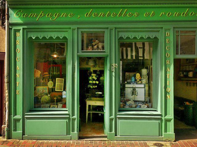 A storefront in Paris - so ooh la la!