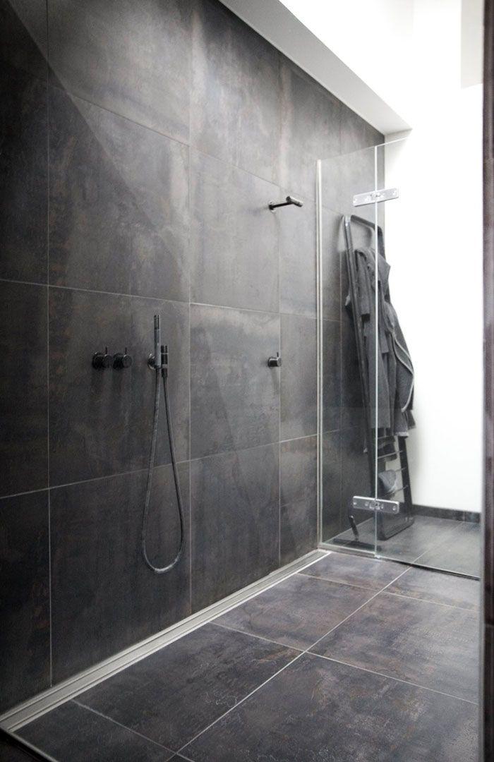 / bathroom - Large tiles + Vola faucet