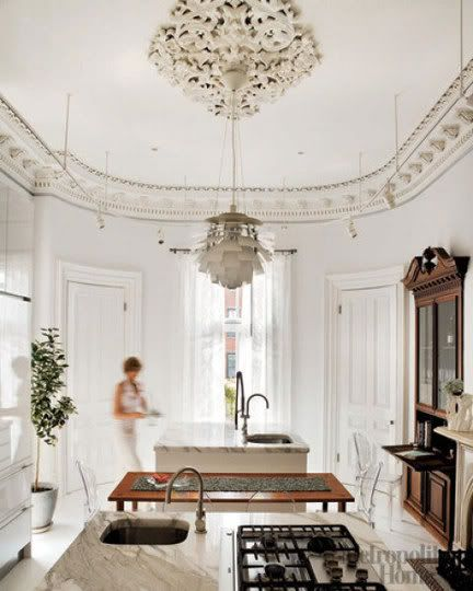 such a beautiful space* the ceiling & moulding* great mix of modern meets traditional*