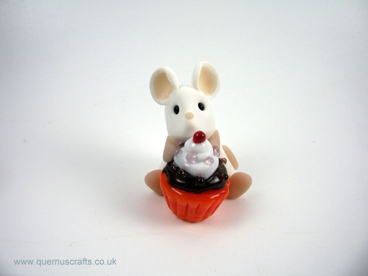 Little Mouse with Glass Cupcake (cupcake by Phoenix Glass)