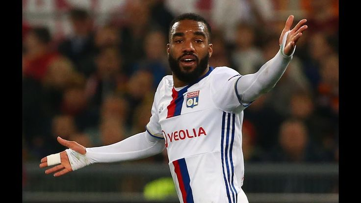 Arsenal considering upping Lacazette bid after being told Lyon striker will cost 50m