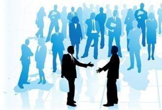 Как завести нужные связи?  Самая древняя бизнес-мудрость гласит: связи решают всё! Если личную жизнь как-то можно обустроить и в полном одиночестве (чисто теоретически), то бизнес – это всегда отношения людей. Тут без умения завязывать нужные связи вообще делать нечего. И вот таким социальным связям, благодаря которым обеспечивается успех (или неуспех) любого дела, досужие американцы дали отдельное название «нетворкинг» (от англ. net – сеть, и work – работа).  Конечно, все мы знаем, как…