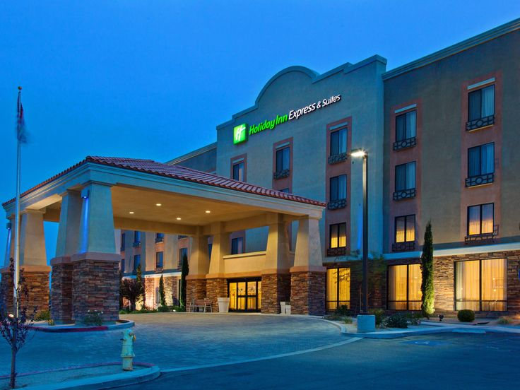 Holiday Inn Express Twentynine Palms/Joshua Tree hotel has easy access to area attractions. The hotel is a few miles from the Oasis Visitor Center and Joshua Tree National Park.