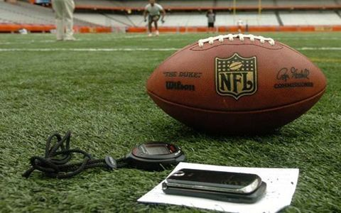 I'm going to be so glad I pinned this when football season starts! 10 ways to watch NFL football live online!