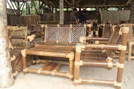 Tips Merawat Furnitur Bambu | 05/12/2014 | SolusiProperti.com - Keunikan furnitur bambu membuat segabian orang kepincut untuk menjadikannya sebagai pelengkap rumah. Akan tetapi, sebagaimana furnitur kayu, furnitur bambu juga perlu perawatan, agar ... http://news.propertidata.com/tips-merawat-furnitur-bambu/ #properti