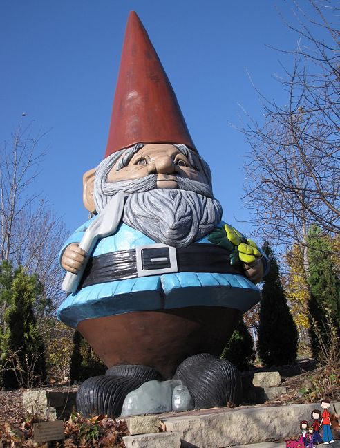 Gnome In Garden: 1000+ Images About Giant Statues To Go See On Pinterest