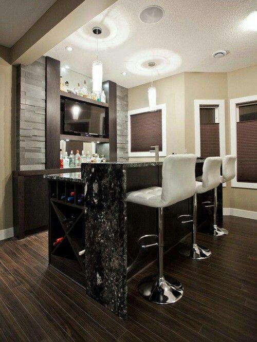 https://i.pinimg.com/736x/76/66/c0/7666c02f3199158b1e91200bb0bfd622--wet-bar-designs-basement-bar-designs.jpg
