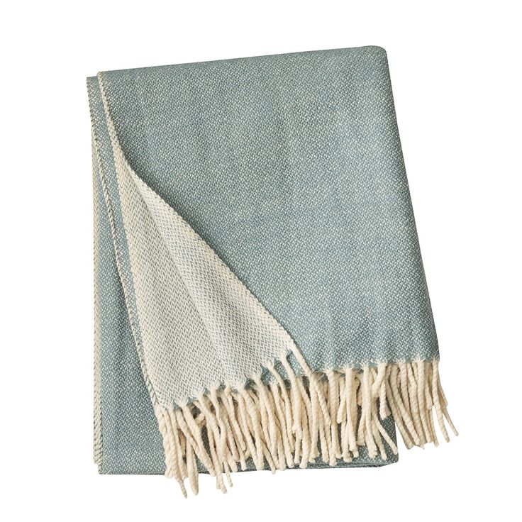 Bogart pledd fra Linum. Et klassisk pledd laget av ull, som gjør det mykt og varmt. Du kan gjøre ple...
