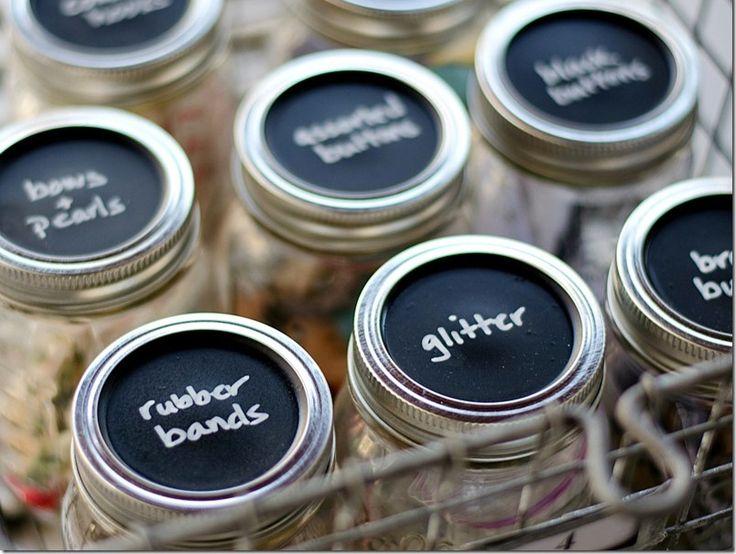 genius packaging ideas -mason-jar-lids-chalkboard-paint