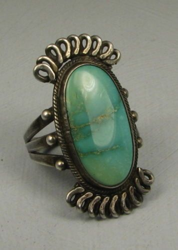 Antique-Navajo-Oval-Villa-Grove-Turquoise-Ring