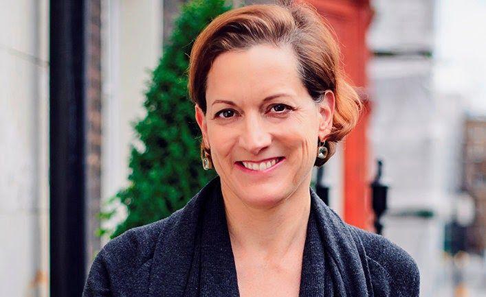 Энн Эпплбаум - американо-британская журналистка и писательница. Известна как автор книги о ГУЛАГе, за которую была удостоена Пулитцеро...