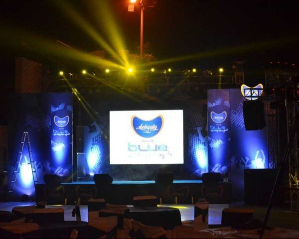 Cinesonic with top-quality light & sound equipment on rent for diverse functions, shows, events and programs. Our musical team does good arrangement of latest technology based light & sound equipment on rent in Delhi NCR