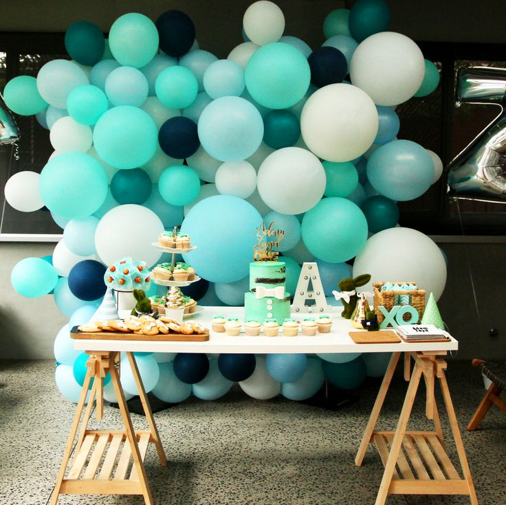 A  2x2m bubbly balloon wall. Mixture of pale, dark green, blues and white. Such a great gradient of colours.