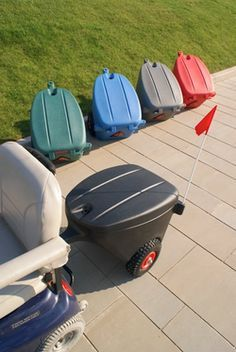 The Koolcaddy is an excellent addition to any mobility scooter and gives additional freedom when it comes to activities like grocery shopping, by providing an easy and convenient place to store heavy shopping bags. A spacious trailer that will connect to the vast majority of mobility scooters and provide the capacity to carry up to six shopping bags.