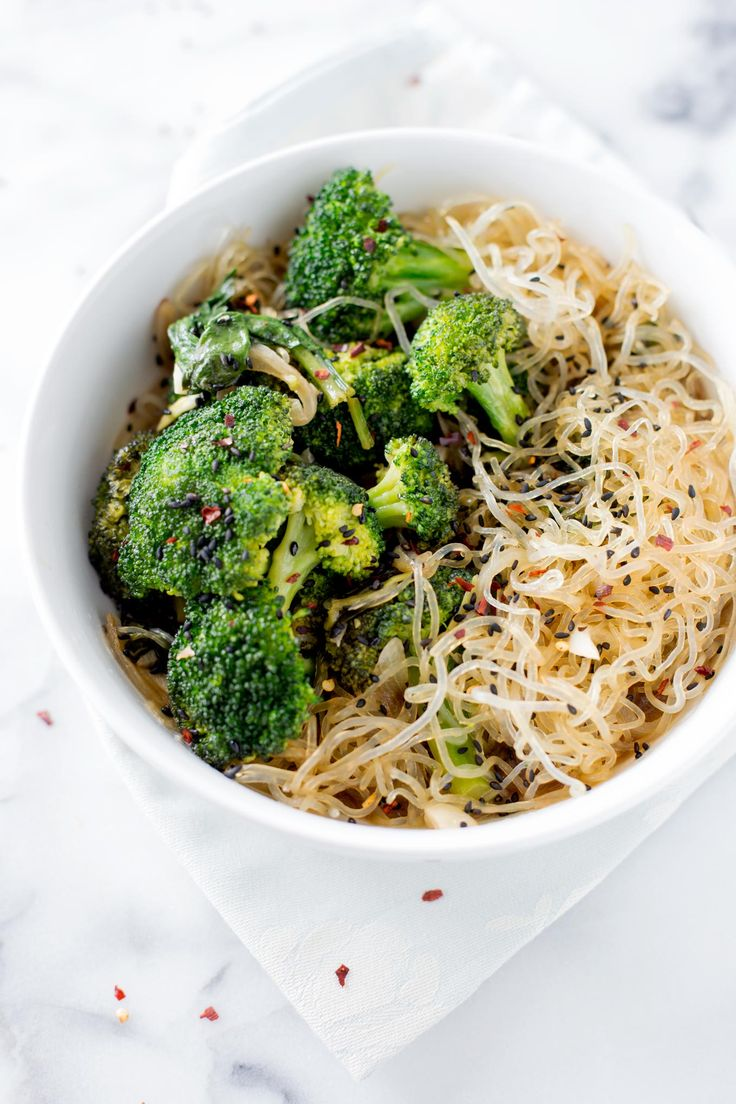 BROCCOLI STIR FRY WITH KELP NOODLES | Taste of Yummy