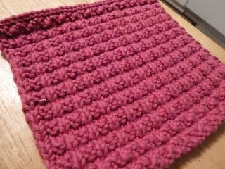 Tweet   From  http://myjewelthief.typepad.com/myjewelthief_knits/2008/12/doubel-bump-scarves.html   I love patterns that don't need to be ve...