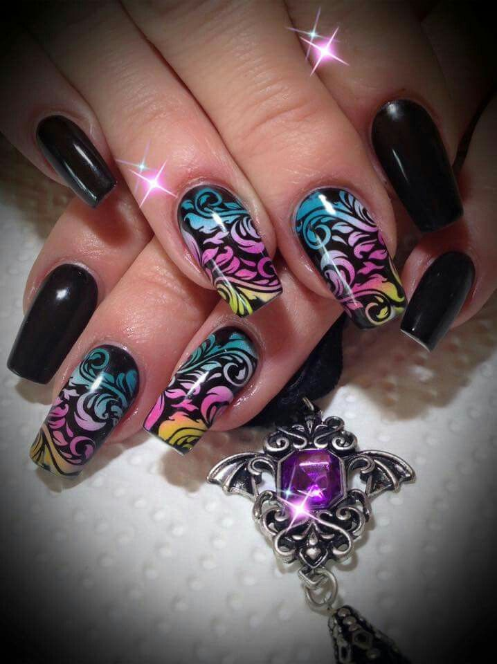 25 best airbrush nails ideas on pinterest pretty nail. Black Bedroom Furniture Sets. Home Design Ideas